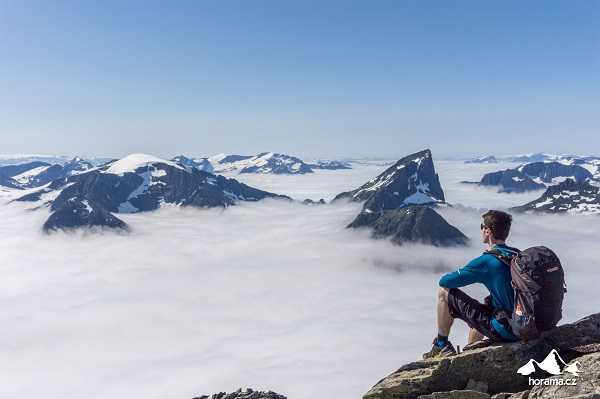 slogen-vyhled-z-vrcholu-norsko-horama-cz-3.jpg